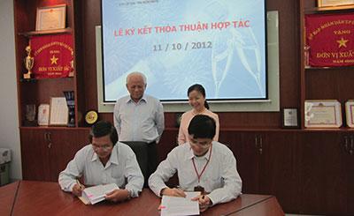 Lễ ký kết thóa thuận hợp tác (2012)