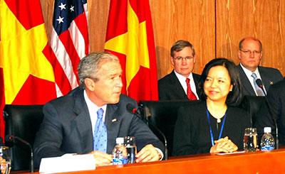 Bà Mai Thanh đối thoại với Tổng thống Mỹ George W. Bush (2006)