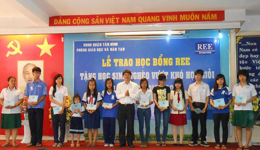 Học bổng REE 2013