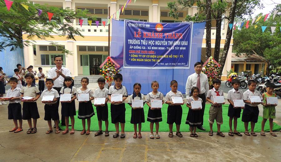 Trường Tiểu học Nguyễn Thị Minh Khai - Tây Ninh (2013)